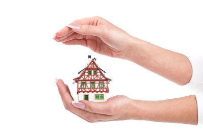 Dämmung schützt das Haus vor Wärmeverlust.