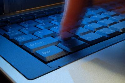 SMTP ist für den Versand von E-Mails verantwortlich.