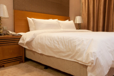 Ein Boxspring-Bett ist höher als normal.