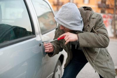 Eine Teilkaskoversicherung deckt auch Schäden durch Fahrzeugdiebstahl.