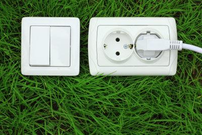 Steckdose-Schalter-Kombinationen lassen sich mit einem Schaltplan gut anklemmen.