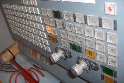 CNC-Maschinen ermöglichen eine moderne computergesteuerte Produktion.