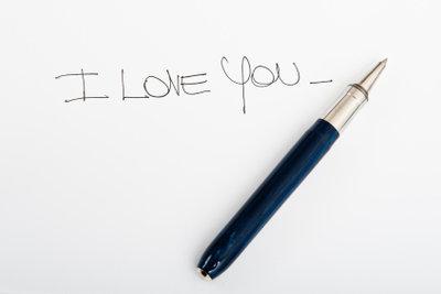 Das richtige Papier macht einen Liebesbrief besonders schön.
