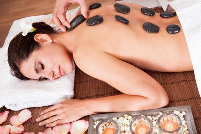 Eine Massage ist sehr wohltuend.