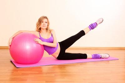Gegen Wirbelgleiten hilft eine starke Muskulatur des Rückens.