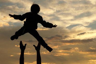 Vaterschaftsurlaub können Sie längstens für drei Jahre nehmen.
