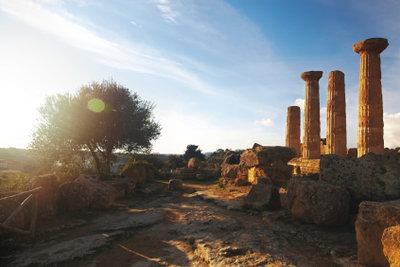 Die Ruinen sind alt - Aristoteles Ethik jedoch lebt weiter.