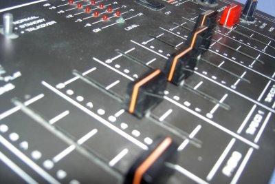 Verändern Sie die Lautstärke Ihres PCs über die Einstellungen Ihres Systems.