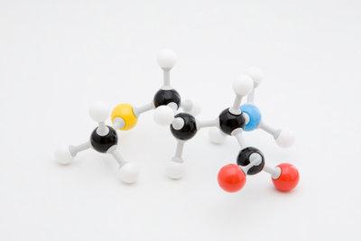 Die Aminosäuren sind mit ihren schwierigen Namen nicht leicht zu lernen.
