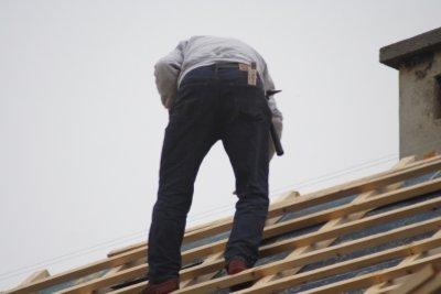 Dachdecker ist ein Beruf, bei dem es einen Mindestlohn gibt.