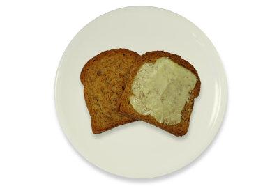 Zwieback enthält Zucker und ist für Diäten bedingt geeignet.