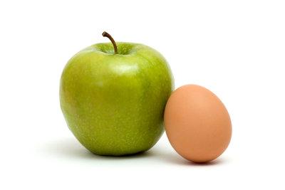 Von einer Apfel-Ei-Diät ist aus gesundheitlichen Gründen eher abzuraten.