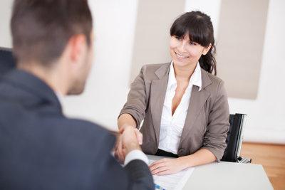 Bleiben Sie bei dem Interview sachlich und freundlich.