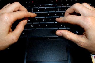 Fachinformatiker verbringen viel Zeit am PC.