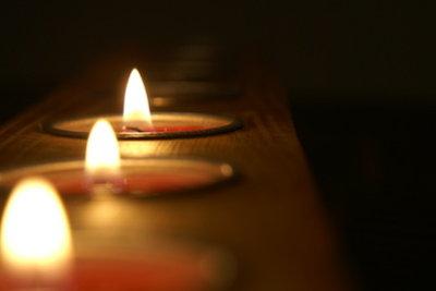 Jedes Wachs gibt der Kerze andere Eigenschaften.