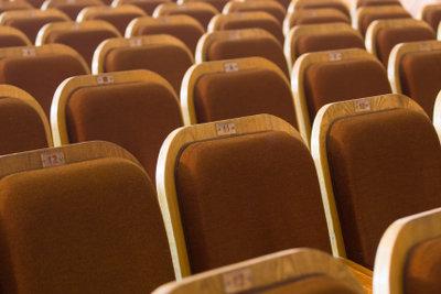 Mit geproben Commedy-Nummern das Publikum von den Sitzen reißen