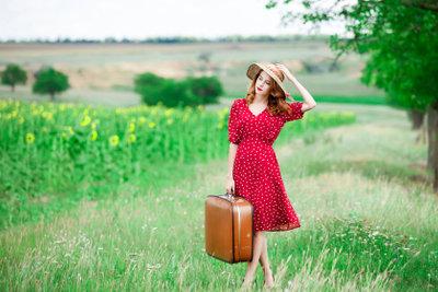 Vom Koffer das Gewicht zu wissen erleichtert das Einchecken.