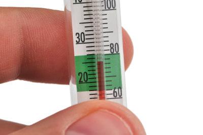 Fällt die Temperatur unter 15 °C wird die Differenz zur Raumtemperatur ermittelt.