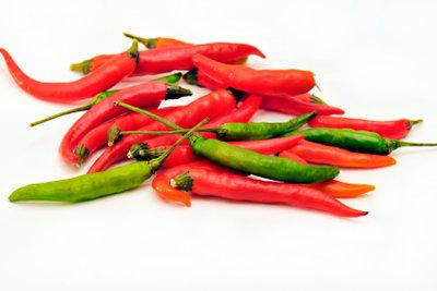 Sriracha-Soße wird mit viel Chili zubereitet.