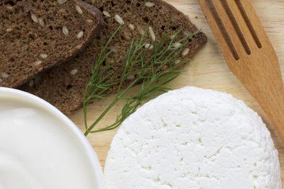 Kochkäse wird aus Quark hergestellt.