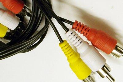 Cinch-Kabel können individuell hergestellt werden.