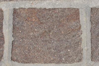 Vor dem Polieren von Naturstein ist eine sachgemäße Reinigung erfoderlich.