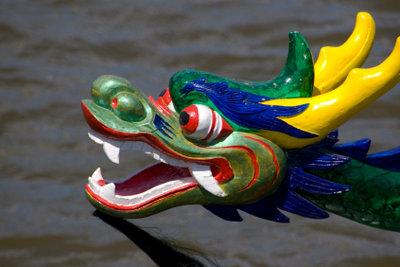 So dekorativ kann der Bug eines Drachenbootes gestaltet sein.