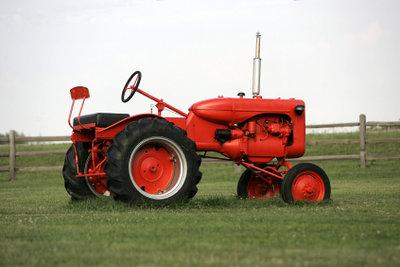 Reifendruck beim Traktor liegt höchstens bei 2 bar.