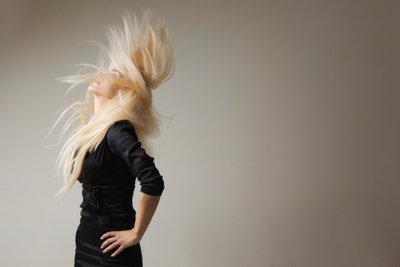 Rockige Frisuren für langes Haar sind ein echter Hingucker.