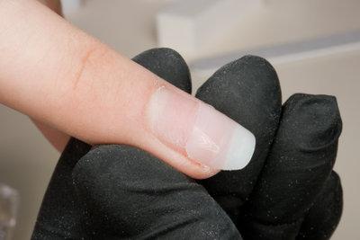 Saubere Fingernägel sind ein Blickfang.