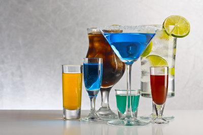 Bei Cocktailrezepten findet man oft die Angabe cl.