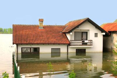 Schäden bei Überschwemmungen können existenzbedrohend sein.