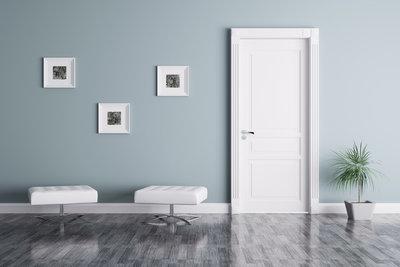 Die Farbe und das Muster der Wände sind entscheidend für die Wirkung des Raumes.