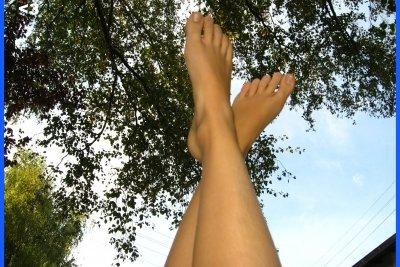 Schöne glatte Beine ohne eingewachsene Haare.