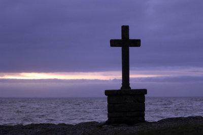 Gräber sollen würdevoll an die Verstorbenen erinnern.