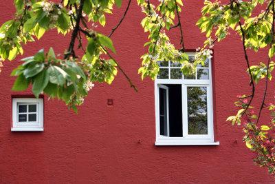 Fensterbilder verschönern die Fenster.