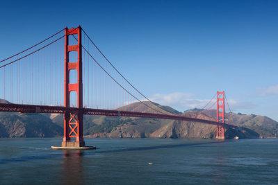 Die Golden Gate Bridge ist die bekannteste Hängebrücke der Welt.