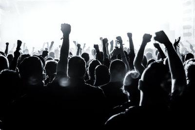Insbesondere auf Musik-Festivals kommen Armbändchen zum Einsatz.