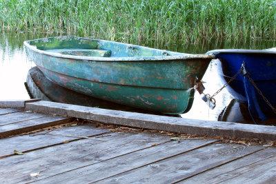 Für den Bootssteg wird ein wasserbeständiger Holzwerkstoff gebraucht.