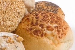 Hygienevorschriften in der Bäckerei sind einzuhalten, sonst drohen hohe Bußgelder.