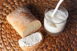 Selbst gebackenes Brot ist gesund und lecker.