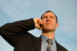 Ständige Anrufe können belästigend wirken.