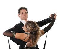 Quickstep ist ein schwungvoller Tanz.
