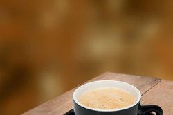 Kaffefans lieben die Crema eines Espressos.