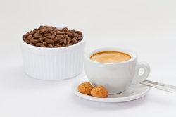 Die DeLonghi-Nespresso-Maschine sollte regelmäßig entkalkt werden.