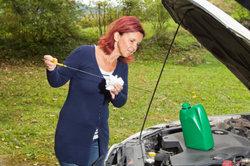 Motoröl können Sie beim Händler entsorgen.