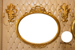 Gold bringt Luxus in Ihr Badezimmer.