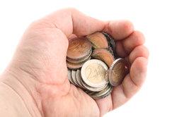 Bezieher kleiner Renten zahlen trotz Alterseinkünftegesetz keine Steuern.