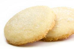 In Zucker gewälzte Kekse sind typisch für russisches Gebäck.