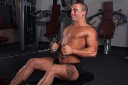 Mit einem Brusttattoo sollten Sie viel Sport treiben.